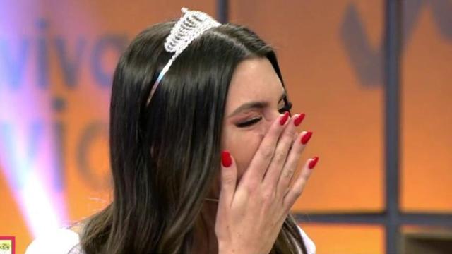 Andrea rompe a llorar al enterarse de la infidelidad de Óscar en 'Viva la vida'