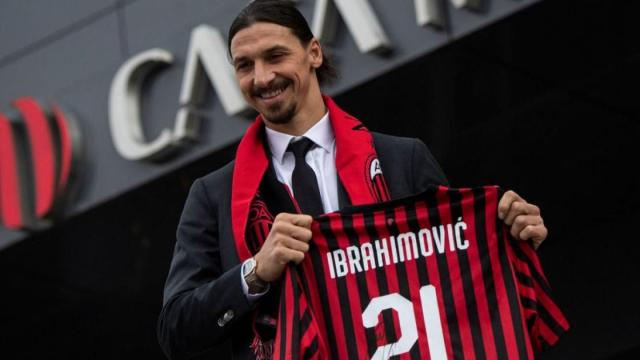 Calciomercato Milan, possibile rinnovo per Ibrahimovic: spunta ipotesi Thiago Silva
