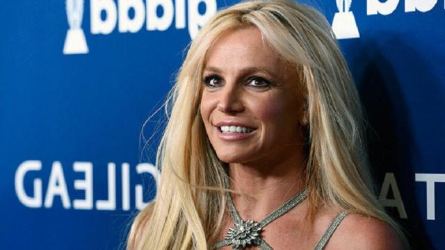 Britney Spears rushed to the hospital after dancing accident