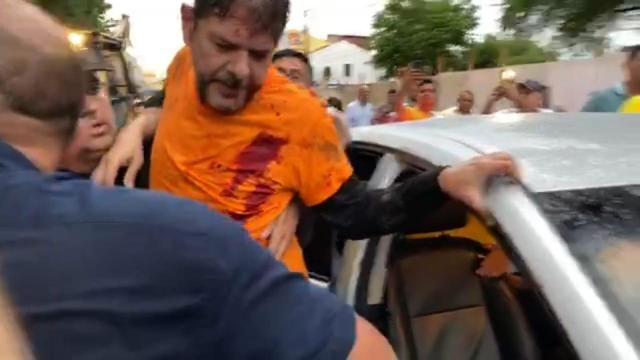 Senador licenciado Cid Gomes é baleado durante protesto de policiais