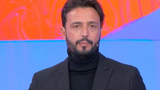 Uomini e Donne oggi 20 febbraio, Massimiliano contro Armando: 'Non chiamare Valentina'