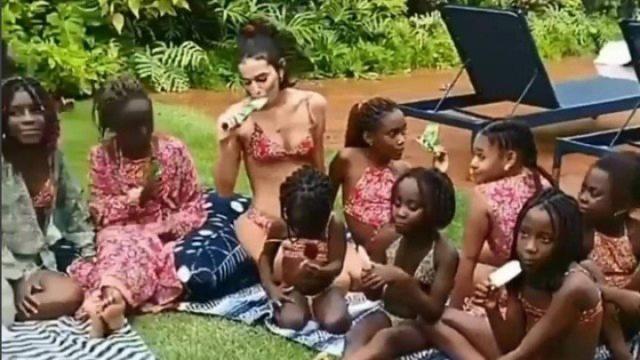Site critica Marquezine por 'abusar do marketing' e postar foto com crianças refugiadas