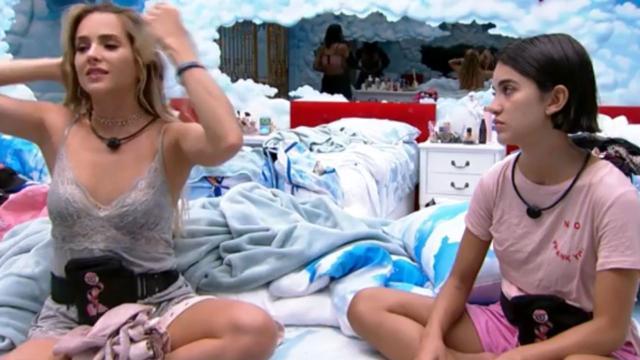 'BBB20': Manu questiona Gabi a respeito da relação de Guilherme e Bianca