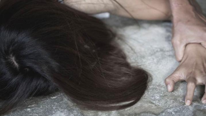 Russia, 13enne abusata resta incinta ma prova a proteggere l'aggressore