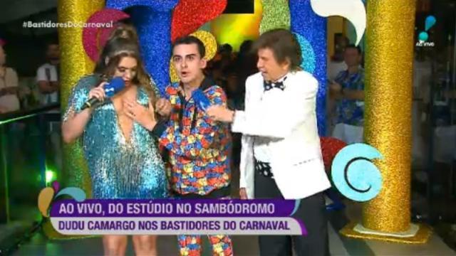 Simony foi supostamente assediada por Dudu Camargo em transmissão de Carnaval da RedeTV
