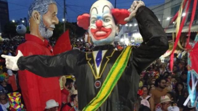 Após realizar crítica ao governo Bolsonaro, escola de Samba é vaiada em desfile