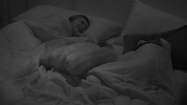 'BBB20:' Rafa convida Pyong para dormir no quarto do líder e pede favor em troca