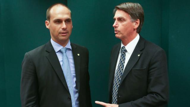 Visando eleições municipais, aliados de Bolsonaro procuram novo partido