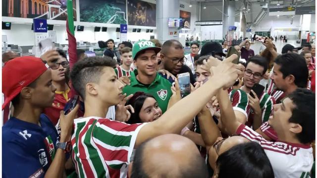 Delegação do Fluminense é recebida com festa no Maranhão