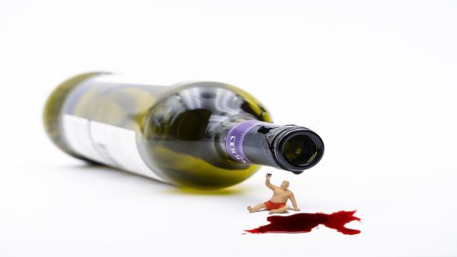 Una enfermedad provoca que un hombre se halle ebrio sin haber bebido