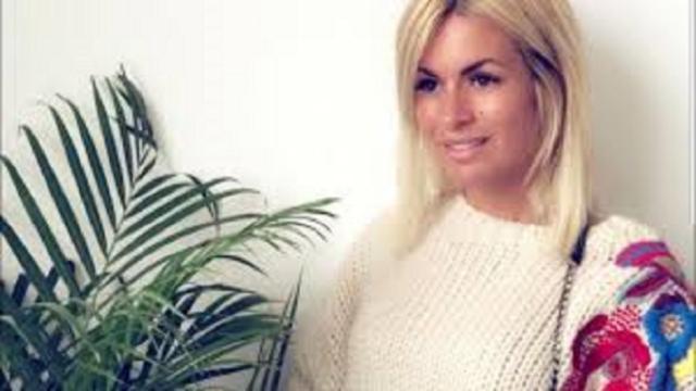 Carla Moreau demande à Kévin de porter une bague de fiançailles