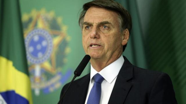 Bolsonaro comete um equívoco e diz ser de 2015 vídeo que cita facada de 2018