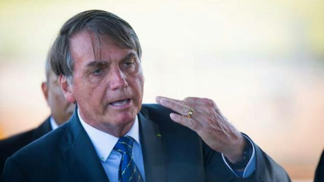 Durante live Bolsonaro volta a criticar a atacar a impressa