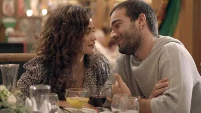 'Amor de Mãe': Raul pega Érica e Sandro no flagra em clima de romance