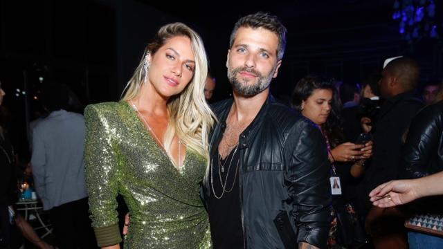 Bruno Gagliasso legenda foto e dá a entender que Giovanna Ewbank está grávida de menino