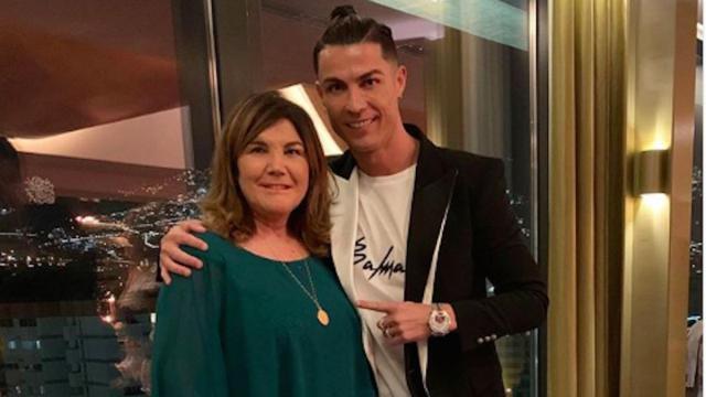 La mère de Cristiano Ronaldo a été emmenée d'urgence à l'hôpital suite à un AVC