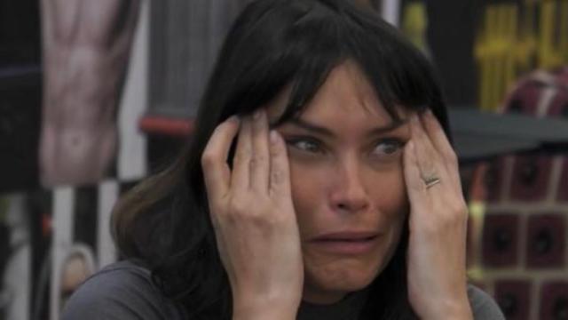 GF Vip, Fernanda in lacrime dopo la puntata, Adriana la consola: 'La gente ha capito'