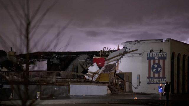 Tornados no Tennessee deixam 22 mortos e fazem a Superterça atrasar