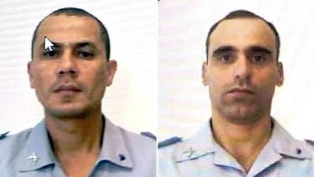Bombeiros morrem enquanto tentavam resgatar mãe e filho de deslizamento no Guarujá
