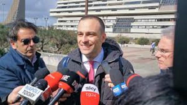 Napoli: parla avvocato che difende il carabiniere che ha sparato al 15enne, 'Impeccabile'