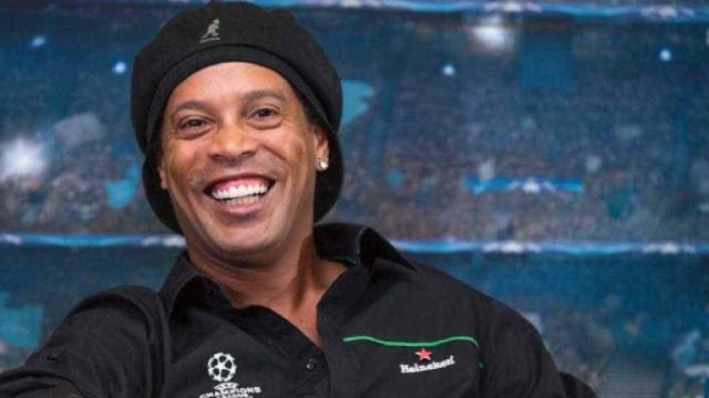 Ronaldinho é preso portando documentos falsos no Paraguai