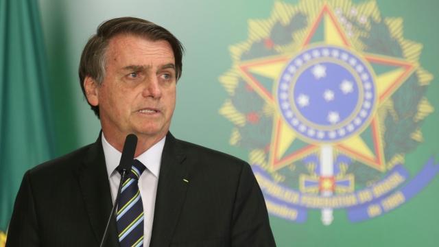 Presidente Jair Bolsonaro da entrevista a Carioca