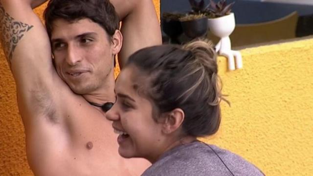 Márcia Machado, mãe de Gizelly diz não aprovar possível relação da filha com Prior