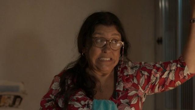 'Amor de Mãe': Lurdes ignora premonição sobre sua saúde e precisa ser internada