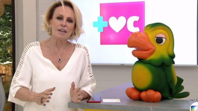 Ana Maria Braga se declara para Louro José em rede social: 'amo você'