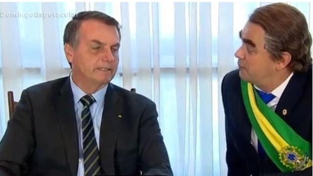 Em conversa com humorista, Bolsonaro revela que precisará passar por nova cirurgia