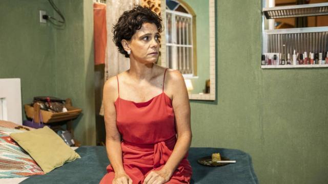 'Amor de Mãe': Lurdes vira amiga de Lídia e auxilia a socialite a parar de beber