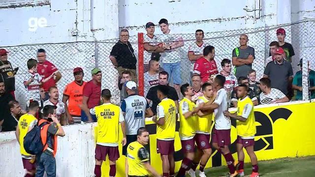 Grêmio lamenta caso de racismo contra jogador Tilica em jogo do Gauchão