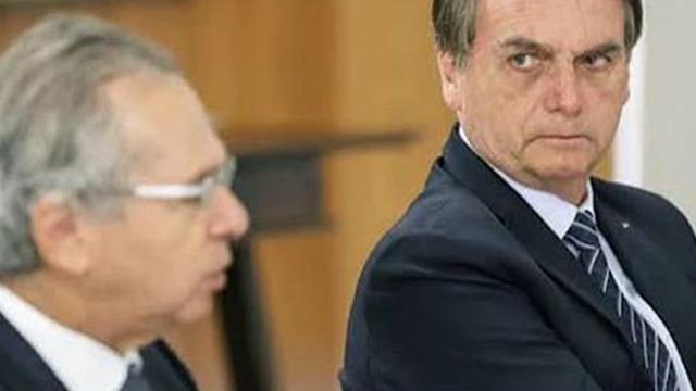 Jair Bolsonaro afirma que foi eleito em primeiro turno e acredita em fraude