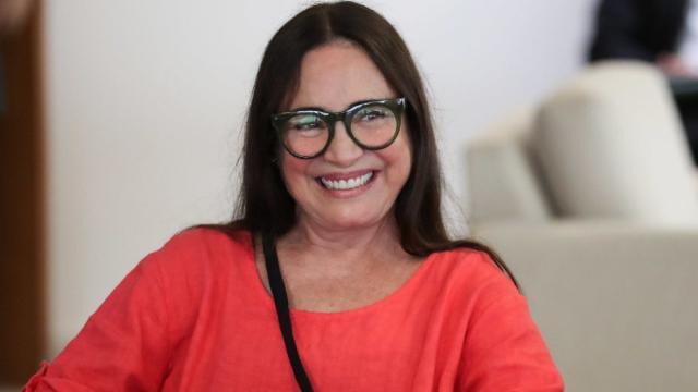 Fala de Regina Duarte ao Fantástico é criticada por ministro Ramos