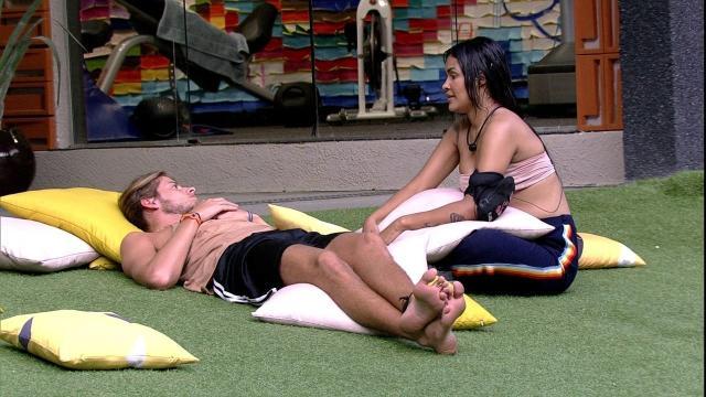 'BBB20': Manu e Rafa condenam Flayslane e Daniel por suas atitudes
