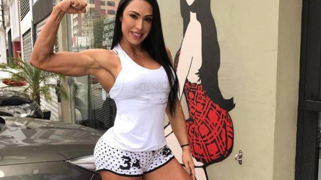 Gracyanne Barbosa comenta morte de seu cachorro e emociona seguidores