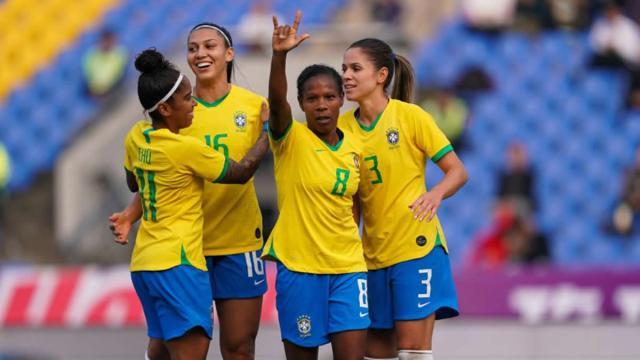 Seleção Brasileira feminina empata com Canadá