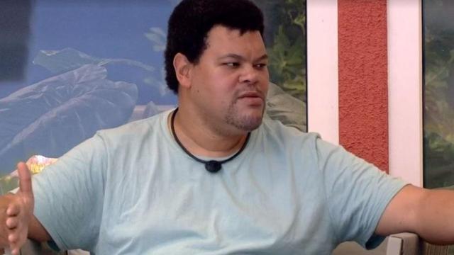 'BBB20': Babu Santana conversa com Felipe Prior sobre isolamento no reality