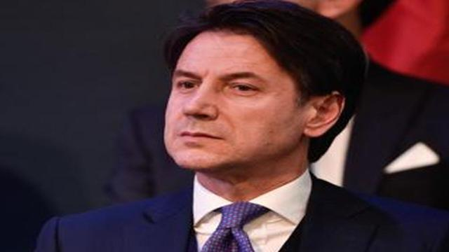 Conte annuncia misure più restrittive e fa i complimenti agli italiani