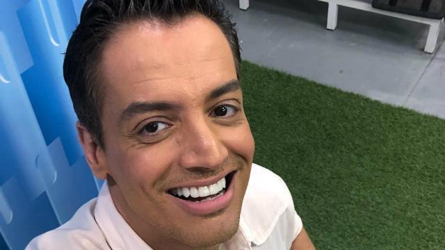 Leo Dias cogita sair da RedeTV! após briga com diretor do 'TV Fama'