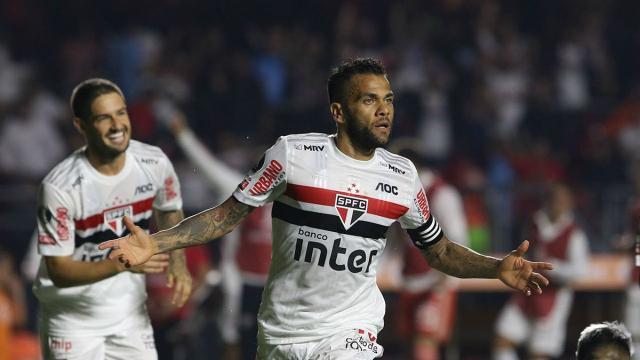 São Paulo vence a LDU pela Libertadores e alivia pressão sobre Fernando Diniz