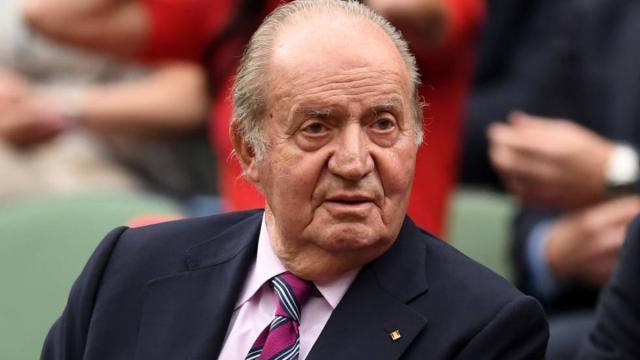 Don Juan Carlos es señalado por las supuestas millonarias que recibió de Arabia Saudí