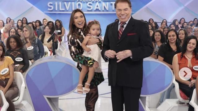 Neta de Silvio Santos aparece em estúdio do programa do avô