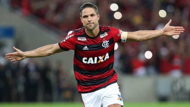 5 jogadores 'reservas' do Flamengo, que tem salario superior a R$500 mil por mês