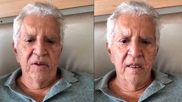 Carlos Alberto de Nóbrega anuncia fim das gravações de 'A Praça é Nossa'