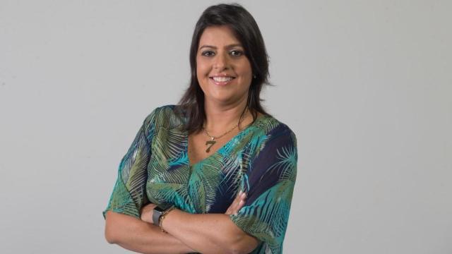Uma semana após sua estreia, Fábia Oliveira deixa o 'Fofocalizando'