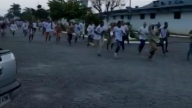 Presídios de SP entram em caos com rebeliões após suspensão de saídas provisórias
