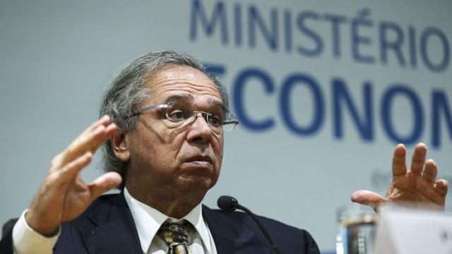 Paulo Guedes afirma que Governo irá liberar R$ 15 bilhões para auxiliar trabalhadores