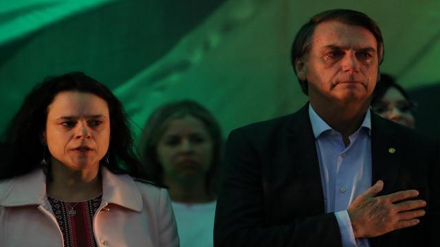 Janaina Paschoal dispara contra Bolsonaro e diz que ele não pode ser mais o presidente
