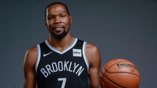 Jogador de basquete Kevin Durant testou positivo para o coronavírus